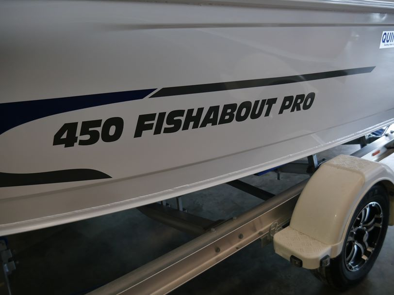 Quintrex 450 Fishabout Pro - Runabout