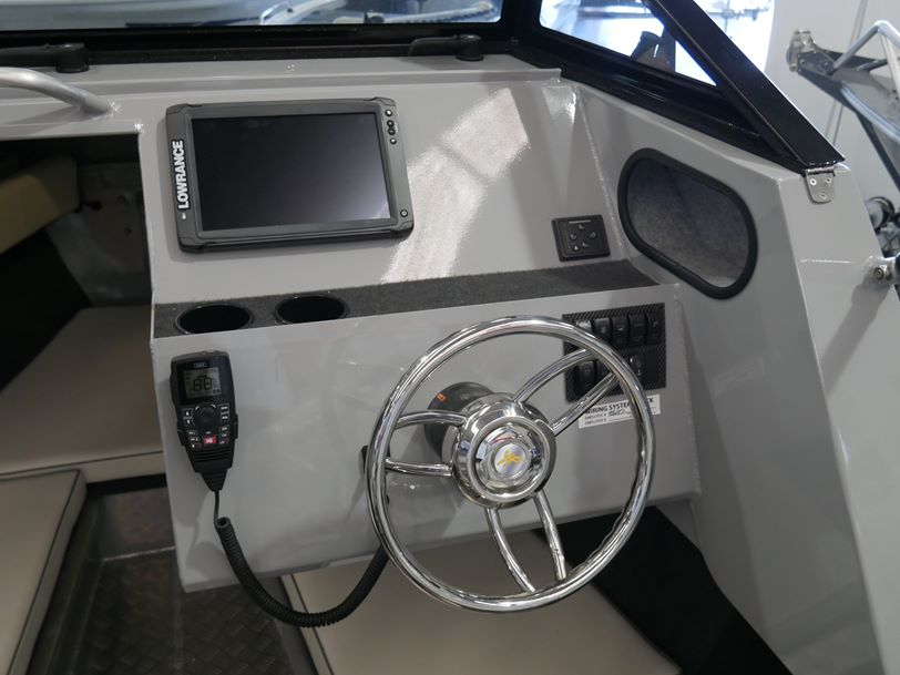 YELLOWFIN 6500 CABIN - SOFT TOP