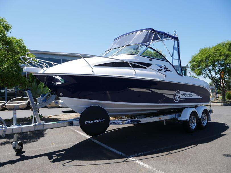 Revival 580 Offshore - Cabin Boat