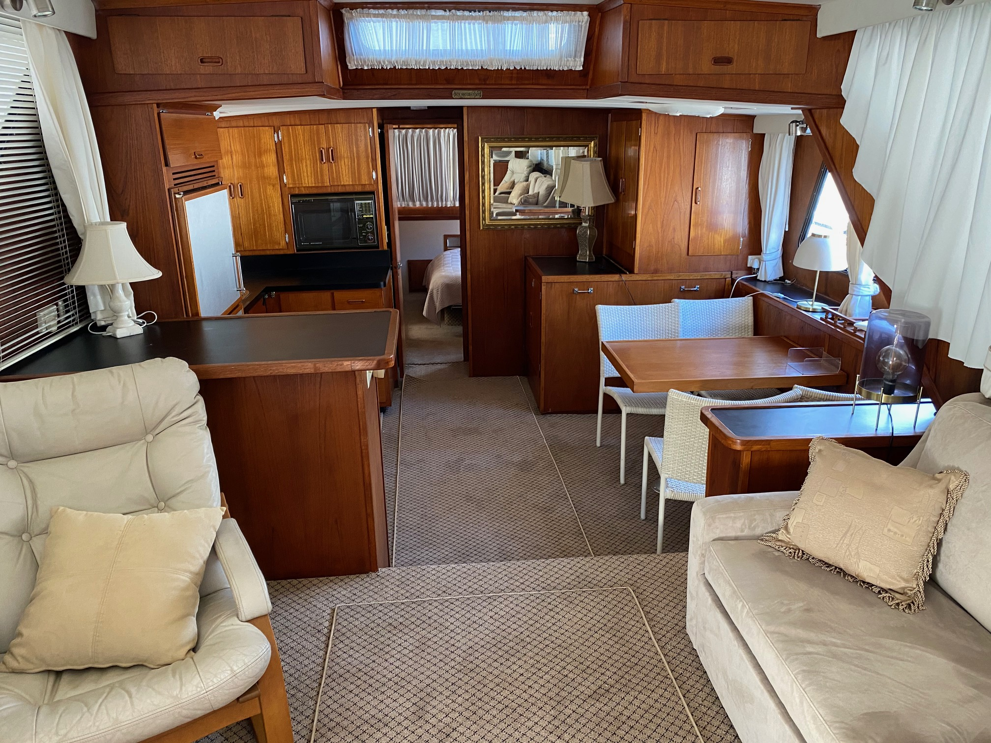 51Bluewater houseboat