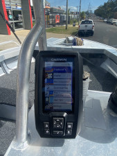 USED CLARK 427 PURSUIT SIDE CONSOLE WITH 40HP YAMAHA 4-STROKE (57.5Hrs)