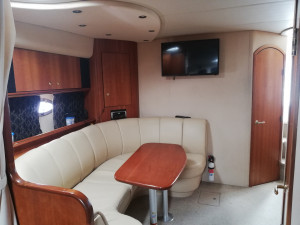 2002 Cruisers Yachts 3672
