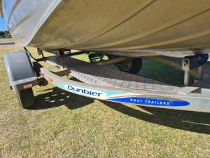 379 Proline Stacer, trailer & 20hp Mercury 4 st elec start + pwr trim