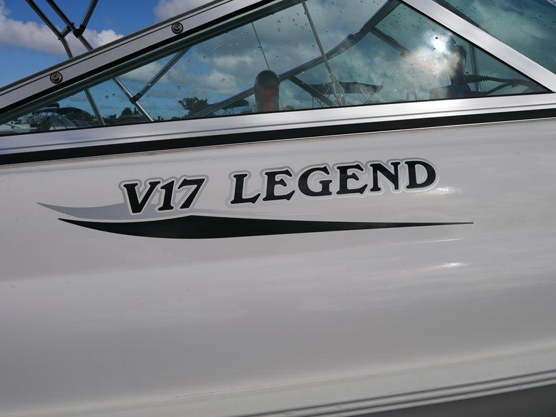 Haines Hunter V17 Legend Runabout