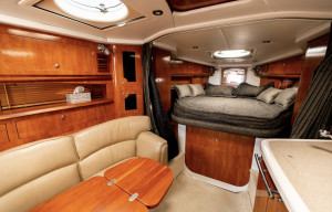 2005 Four Winns Vista 348
