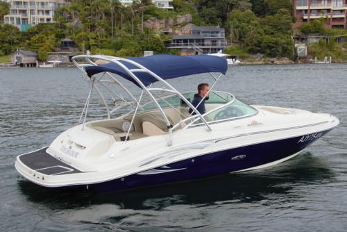2005 Sea Ray Sundeck 220