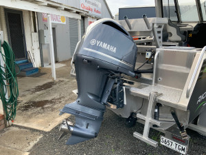 Used 2018 Yamaha 300hp fly by wire outboard motor