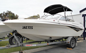WHITTLEY 1800 CLEARWATER BOWRIDER - JA272S
