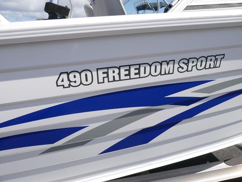 Quintrex 490 Freedom Sport Bow Rider