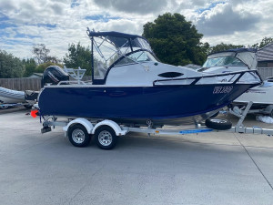 New 5.4 Blue Fin Castaway with New 115Hp 4-stroke