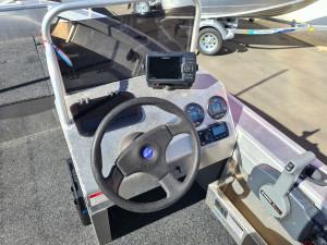 4.7m Seajay Avenger side console, 60hp Yamaha 4 stroke & trailer