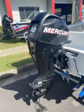USED 2011 QUINTREX 430 ESCAPE RUNABOUT WITH 40HP MERCURY EFI 4-STROKE (68.5hrs)