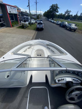 USED 2011 BAYLINER 195 BOWRIDER WITH 5.0LT(260HP)  V8 MERCRUSIER MPI (only 6.9Hrs)