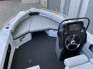Stacer 499 Crossfire Side Console Yamaha F90 2022 Model