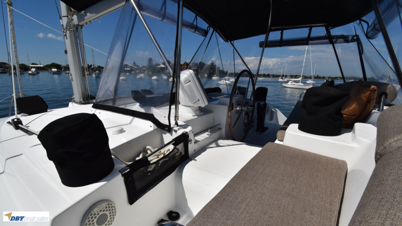 Lagoon 440 owners version
