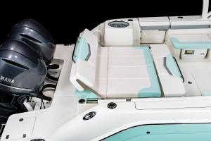 Robalo R317 Dual Console 2022 Model