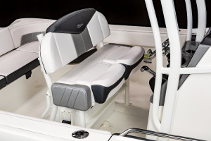 Robalo R242EX Explorer Centre Console 2022 Model