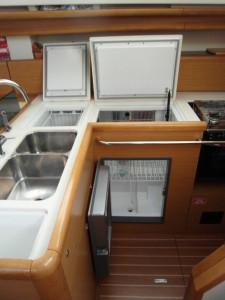 Jeanneau Sun Odyssey 45 Deck Saloon