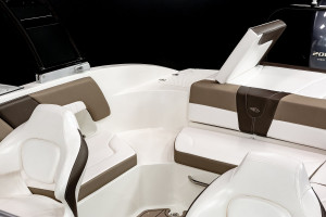 Chaparral 23 SSI Outboard Bowrider 2022 Model