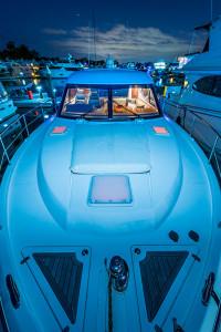 2009 Riviera 4400 Sport Yacht