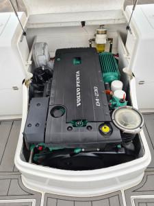750 Northbank Hardtop, Diesel Volvo Penta 230hp &  Easy tow alloy trailer