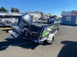 QUINTREX 510 STEALTH HORNET with Yamaha 115hp