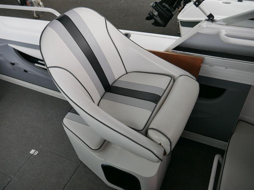 Quintrex 620 Ocean Sport - Cabin Boat