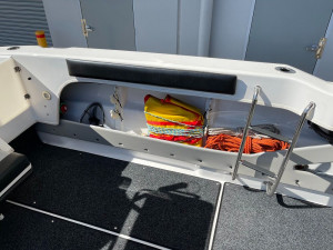 Reflex R7 Offshore Walk Around Cabin Boat 2019 Model