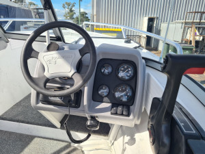 470 Escape Quintrex, trailer & 60hp Mercury four stroke