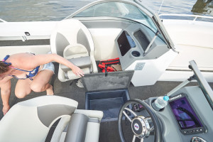 Quintrex 590 Cruiseabout Pack 2 with Yamaha F150HP 4-Stroke