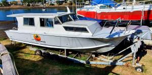 32ft Hartley Cabin Cruiser
