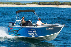 Stacer 589 Crossfire Side Console 2022 Model