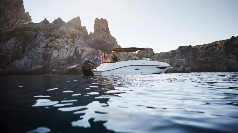 Sea Ray Sun Sport 230