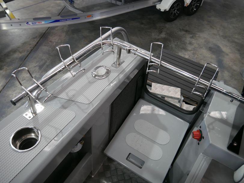 YELLOWFIN 6500 CABIN - SOFT TOP