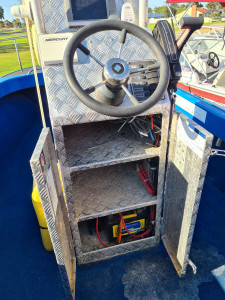 5.2m Centre console fibreglass boat with 115hp Mercury 4 stroke 90hrs
