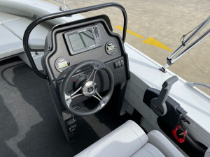 Stacer 519 Crossfire Side Console Yamaha F115 2021 Model