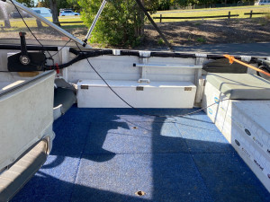 USED 2003QUINTREX 420 ESTUARY ANGLER WITH 2004 40HP JOHNSON 2-STROKE (Hours not available)