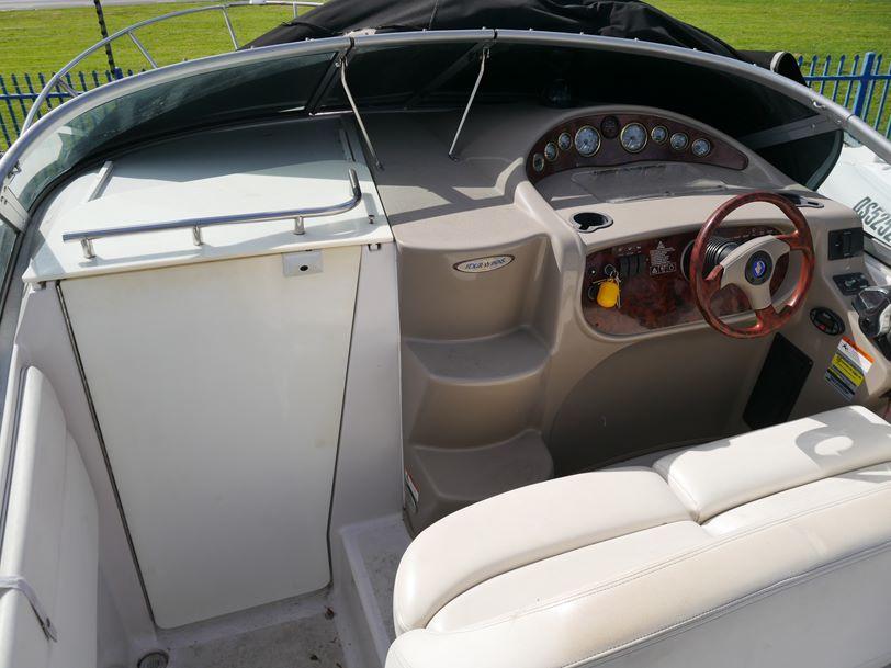 Four Winns Vista 248 Cruiser
