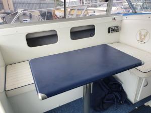 2002 Carribean 26 Cabin cruiser - 4.3l MPI Mercruisers