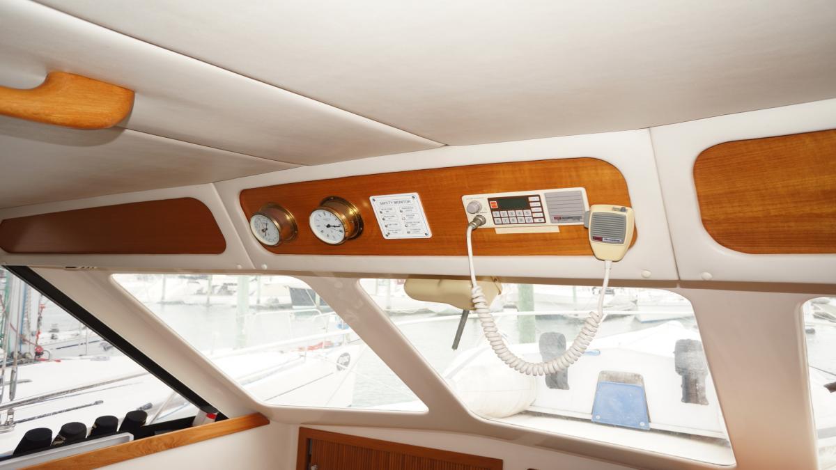 Riviera 34 Flybridge Sport Cruiser 1996 Model