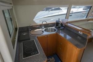 Capricorn 38 Classic Flybridge Cruiser