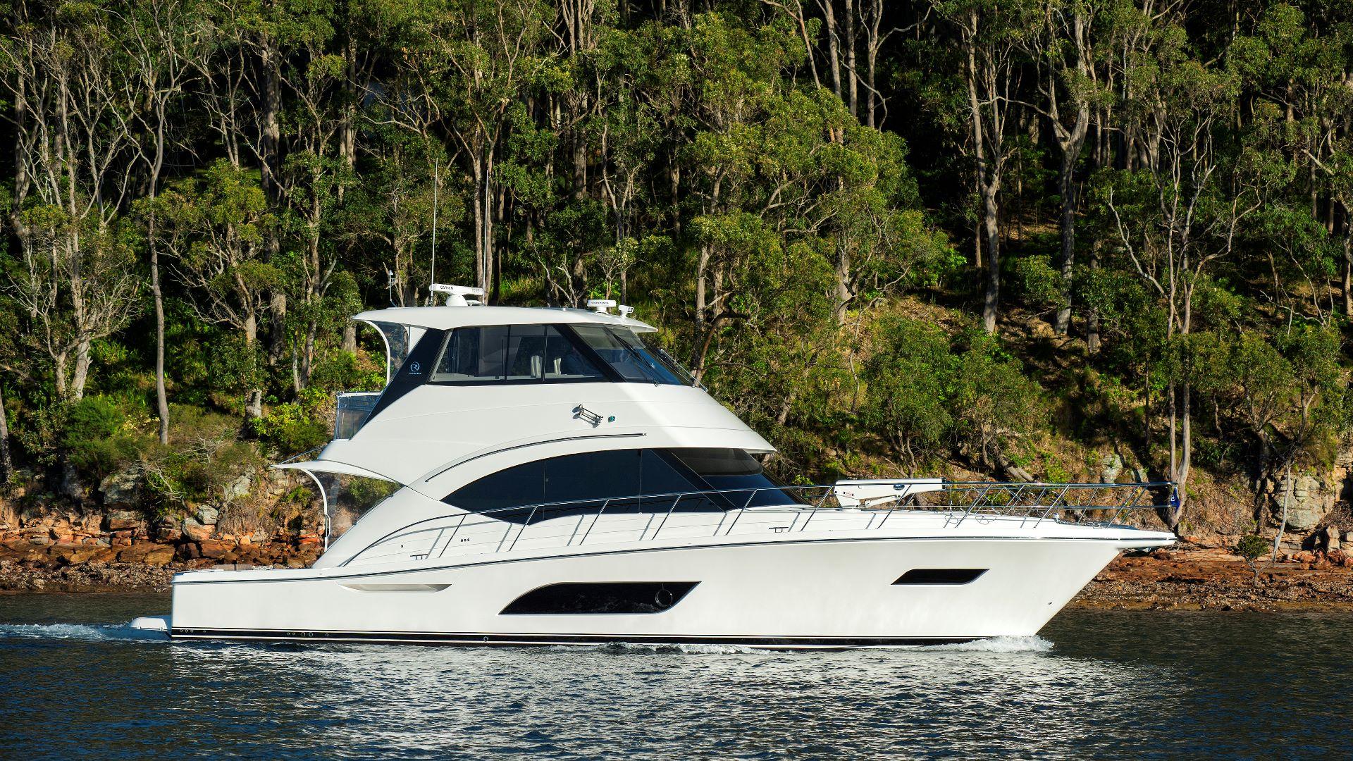 Riviera 57 Enclosed Flybridge