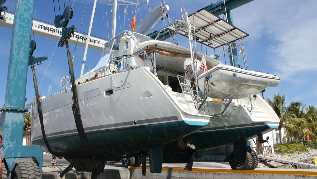 REDUCED> OWNER MUST SELL! Lagoon 400 - Owner's version